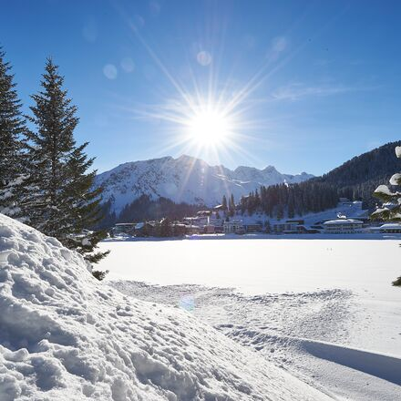 Winter Hiking in Arosa, Switzerland   Holiday region in Grisons