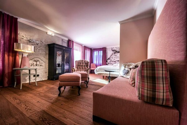 Lifestyle Suite Antique | © Home Hotel GmbH